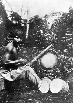 Las faenas de los indios de hoy día son las mismas que aprendieron hace siglos con la colonización española